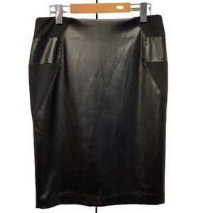 CLEO FAUX LEATHER BLACK SKIRT
